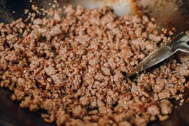 nấu cháo bồ câu với cà rốt đậu cô ve