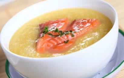 Mách bạn cách nấu cháo cá hồi bí đỏ cực ngon