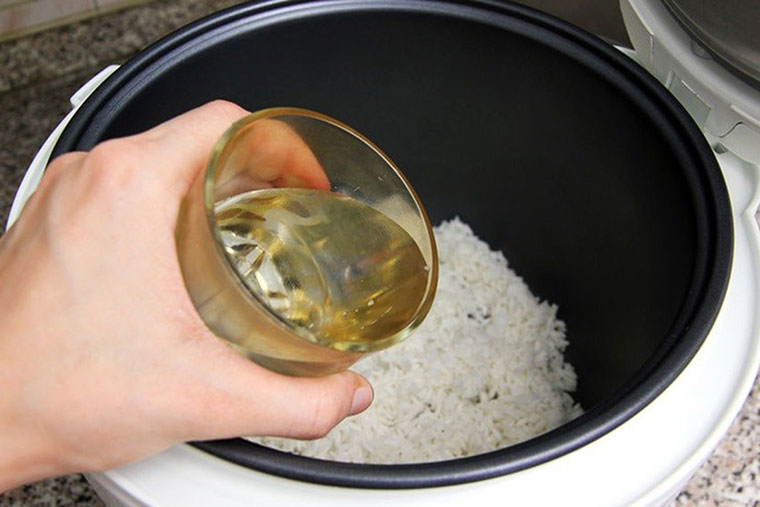 cách nấu cháo trứng gà cho bé 7 tháng