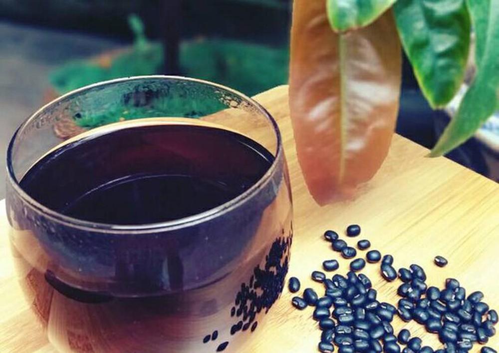đậu đen rang nấu nước uống có tác dụng gì