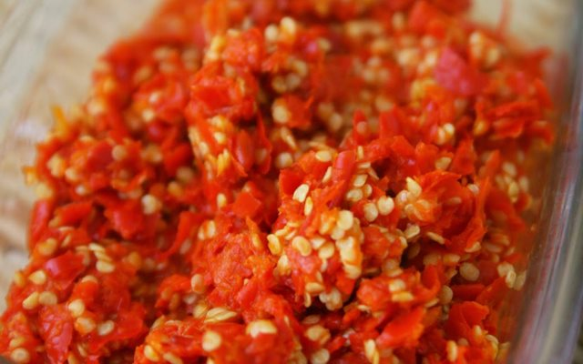 cách làm ốc dừa rang muối ớt