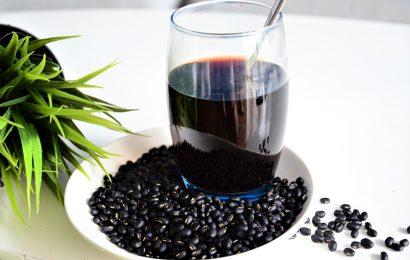 Uống nước đậu đen xanh lòng có tác dụng gì?